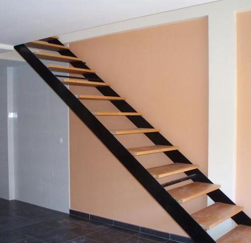 Escalera herreria chavez herreria chavez for Fotos de escaleras de herreria
