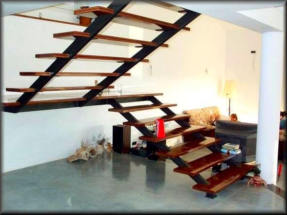 Escalera con madera herreria chavez for Escaleras metalicas con madera